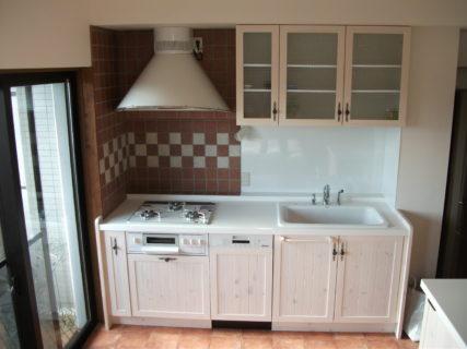 オリジナルキッチンと無垢ドア・無垢フローリングリノベーション